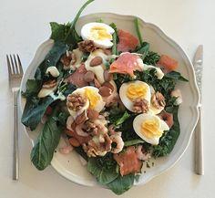 Dejlige fedt stoffer i en stor salat