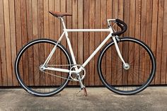 colossi fixed gear - columbus steel Fixed Gear Bicycle, Urban Bike, Bicycle Design, Bike Life, Gears, Bicycles, Inspiration, Porn, Oxford