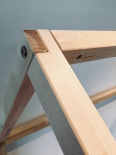 New wood bed frame toddler ideas Diy Toddler Bed, Toddler Rooms, Into The Woods, Wood Joints, Wood Beds, Diy Holz, House Beds, Diy Wood Projects, Baby Room Decor