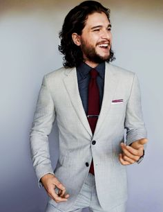 Harington is the king of thrones Game Of Thrones star Kit Harington on what to expect in series 5 - .ukGame Of Thrones star Kit Harington on what to expect in series 5 - . White Wedding Suit, Wedding Suits, Mens Fashion Suits, Mens Suits, Terno Slim Fit, Costume Original, Kit Harrington, Style Masculin, Look Formal