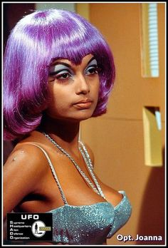 Friday night on Moonbase. Ufo Tv Series, Sci Fi Tv Shows, Actrices Sexy, Space Girl, Space Age, Classic Sci Fi, Vintage Tv, Vintage Space, Thing 1