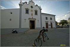 Loule Portugal Algarve, Portugal, Mansions, Architecture, House Styles, Places, Home, Pictures, Arquitetura