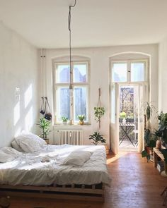 Dream Apartment, Bedroom Apartment, Cozy Room, Cozy Place, Aesthetic Rooms, Minimalist Bedroom, Dream Rooms, My New Room, Decorating Your Home