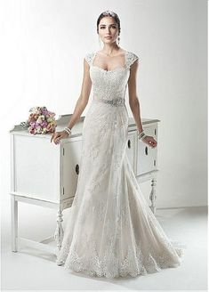 Glamorous Tulle Sweetheart Neckline Natural Waistline A-line Wedding Dress With Lace Appliques