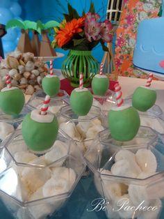 A Maria é uma fofa que veio direto de Salvador para comemorar seu primeiro aninho aqui pertinho da família, mas, trouxe com ela a praia! T... Moana Birthday Party, Moana Party, Summer Birthday, Birthday Parties, Princess Theme Party, Disney Princess Party, Flamingo Party, Bbq Party, Beach Party