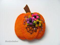 Felt Pumpkin Pin / Pumpkin Pin / Halloween Pin