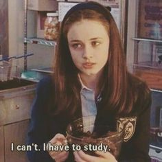 things Study like Rory Gilmore // us motivatio - Study Motivation Quotes, Study Quotes, Gilmore Girls, Rory Gilmore Style, Lorelai Gilmore, Study Hard, Study Inspiration, Film Quotes, Mood Pics