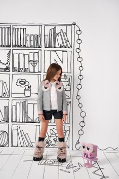 Fendi girls grey and pink leather jacket with bag bug eye print and faux fur detailing. Kids Fashion Photography, Artsy Photos, Summer Kids, Summer 2016, Spring Summer, Magazines For Kids, Doodle Designs, Young Fashion, Stylish Kids