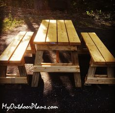 undefined Diy Picnic Table, Wooden Picnic Tables, Picnic Table Plans, Backyard Pavilion, Wooden Playhouse, Outdoor Projects, Pallet Projects, Diy Shed, Bench Plans