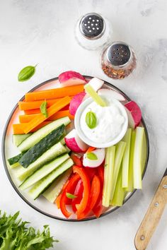 Mediterranean Diet Plan Vegetable sticks of cucumber, pepper, carrots, celery and radishes with yogurt dip - Yep, you can still drink wine. Healthy Nutrition, Healthy Eating, Nutrition Apps, Eating Clean, Stay Healthy, Healthy Foods, Easy Mediterranean Diet Recipes, Mediterranean Dishes, Heart Healthy Recipes