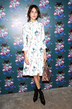 Alexa Chung in Miu Miu. Täglich neu. Look des Tages. http://www.welt.de/icon/article124496720/Der-Look-des-Tages-Martin-Scorsese-in-Giorgio-Armani.html
