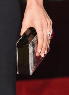 Pin for Later: Mit diesen Maniküren verpassen die Stars ihrem Look den letzten Schliff Sophia Bush, Golden Globe Awards