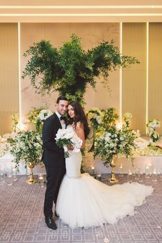 Loving this lush floral ceremony. | Photography: Purple Tree Photography | #fourseasons #Toronto #weddings #fsweddings #bridal #summerwedding #summer