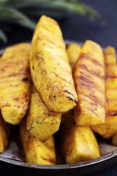 Easy Vegetarian Grilling Ideas For Summer BBQs - Caramelized Brown Sugar Cinnamon Grilled Pineapple Vegetarian Grilling, Grilling Recipes, Vegetarian Recipes, Cooking Recipes, Healthy Recipes, Grilling Ideas, Fruit Recipes, Kabob Recipes, Barbecue Recipes