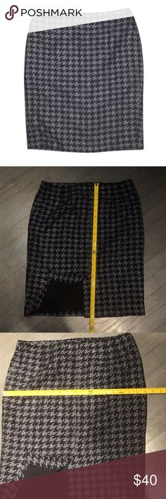 Ann Taylor Textured Tweed Herringbone Pencil Skirt Ann Taylor Factory Textured Tweed Navy Blue and Black Herringbone Pencil Skirt Ann Taylor Skirts Pencil