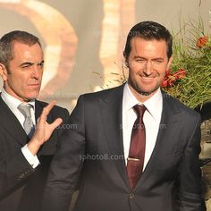 Looks like Jimmy is about to shove Richard off the stage!  ha  ~ NZ Hobbit Premiere