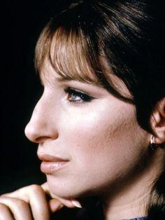 Big Nose Beauty, Hooked Nose, Barbra Streisand, Big Noses, Graduation Pictures, Portrait Photo, Photo Art, Star Wars, Interesting Faces