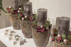 Great idea for an alternative advent wreath /// Tolle Idee für einen… Christmas Advent Wreath, Christmas Flowers, Christmas Time, Christmas Crafts, Diy Spring Wreath, Diy Wreath, Wreath Making, Christmas Centerpieces, Christmas Decorations