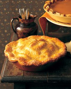 """The words """"apple pie"""" conjure warmth, aroma, taste, and togetherness. This apple pie recipe is filled with Granny Smith apples and is tucked into a buttery pie crust. To make this apple pie recipe even sweeter, serve it with a scoop of vanilla ice cream. Martha Stewart Apple Pie, Recettes Martha Stewart, Martha Stewart Recipes, Menu Desserts, Just Desserts, Dessert Recipes, Apple Pie Recipes, Tart Recipes, Baking Recipes"""