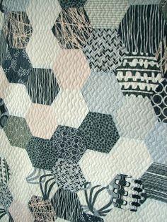 Tallgrass Prairie Studio: Sewing Hexagons by Machine Without Marking