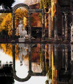 Roma: Villa Adriana, Rome - @classiquecom >>Guarda le Offerte!