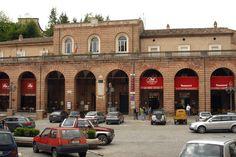 Palazzo comunale con il suo loggiato #marcafermana #amandola #fermo #marche