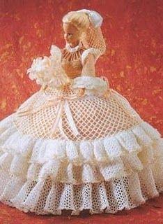 We sew clothes for Barbie Crochet Doll Dress, Crochet Barbie Clothes, Knitted Dolls, Barbie Gowns, Barbie Dress, Doll Dresses, Barbie E Ken, Barbie Doll, Habit Barbie