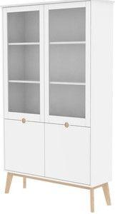 Fraaie servieskast met een moderne Scandinavische uitstraling in mat wit gespoten MDF. Deze vitrinekast van 24Designs is 190 cm hoog en met breedte van 107 cm geschikt voor elke woon-, slaap en werkkamer. De kast heeft 3 legplanken, 2 grote openslaande glazen deuren en 2 dichte deuren. Meer dan voldoende opbergruimte voor jouw servies, lectuur of andere spullen.Gewicht: 65.0000Merk: 24DesignsKleur: WitGarantie: 3 jaar CBW garantieAfwerking: Mat wit gespotenGeschikt voor: Indoor…
