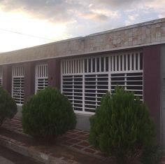 *Casa en Mara norte III ETapa, 🏡de 170 mt2, en calle cerrada:*✅ 》3 habitaciones 》2 Baños 》2 puestos de est. 》Piso de Cerámica 》Cocina,Sala,Comedor 》Todos los Servicios Cantv,Inter,Wifi 》Area de lavandería *PrecioOFERTA 🙌🏡🏡🏡 🏡#RemaxMillenium #HablamosConResultados #ViveComoSueñas #RemaxVenezuela  #RemaxMcbo #LaCasaDeTusSueños #Realtor #BienesRaices #BienesRaicesVenezuelas  #Maracaibo #Venezuela #Orlando #Aruba #USA #FollowMe #LikeForLike #Casa  #Apartamentos #Locales #Inversión…