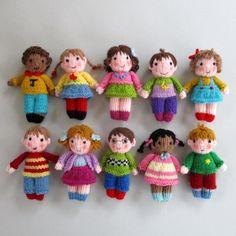 Cute Little Kids Knitting pattern by Dollytime Niedliche kleine Kinder Strickmuster von Dollytime Kids Knitting Patterns, Knitted Doll Patterns, Christmas Knitting Patterns, Knitted Dolls, Crochet Dolls, Knitting Projects, Knitting Ideas, Baby Patterns, Knitting For Charity