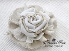 How to make 20 different Fabric Flowers. Beautiful handmade flowers each with a link to their own tutorial. Great for weddings, home decor and sewing. Handmade Flowers, Diy Flowers, Paper Flowers, Burlap Flowers, Flower Diy, Cloth Flowers, Burlap Rosettes, Shabby Chic Flowers, Organza Flowers