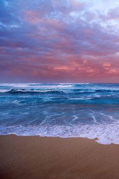 Ocean Sunset this reminds me of the sunsets at Ocean Beach San Diego California Ocean Sunset, Sea And Ocean, Ocean Beach, Ocean Waves, Beautiful Ocean, Beautiful Beaches, Types Of Photography, Landscape Photography, Beach Photography