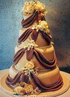 Rosebud Cakes - The Last Word in Original Cake Design Beautiful Wedding Cakes, Gorgeous Cakes, Pretty Cakes, Cute Cakes, Amazing Cakes, Unique Cakes, Creative Cakes, Elegant Cakes, Rosebud Cakes