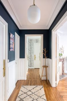 Rénovation d'un appartement à Vincennes Conservation des moulures, vitrifi – Renovation of an apartment in Vincennes Preservation of strips, glazed – to # Home Design, Home Interior Design, Cv Design, Interior Office, Modern Interior, Apartment Renovation, Paris Apartments, Sweet Home, Home Decor