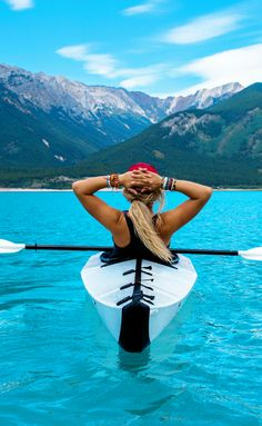 Kayaking in Canada! 10 Amazing Things To See And Do In Alberta, Canada! Visit Jasper National Park   Columbia Icefields   Banff National Park   Lake Abraham   Lake Louise   Peyto Lake and so much more!