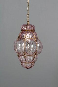Jacob E. Bang for Holmegaard: Ampel/ gitter pendel i rosafarvet glas, ca.1930. H. 35 cm, Ø. ca. 24 cm. Decor, Ceiling Lights, Ceiling, Home Decor, Pendant Light, Light