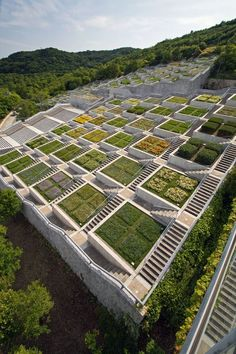 Awaji Island's Architecture - Hundred Step Garden (百段苑)