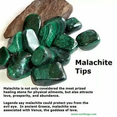 Malachite Tips I don't believe in God's or goddesses but very interesting Crystal Healing Stones, Crystal Magic, Crystal Grid, Stones And Crystals, Gem Stones, Minerals And Gemstones, Crystals Minerals, Rocks And Minerals, Gemstone Properties
