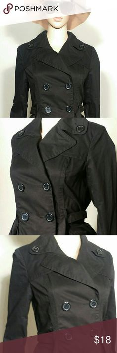 Forever 21 Womens Black Button Trench Coat Size M MEDIUM In very good condition!! Very adorable!! A great gift!! Fast Shipping!! Forever 21 Jackets & Coats Trench Coats