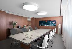 המשרד שלנו - אדריכלות ועיצוב פנים   משרד אדריכלים ועיצוב פנים דורית סלע Conference Room, Interior Design, Table, Furniture, Home Decor, Nest Design, Decoration Home, Home Interior Design, Room Decor