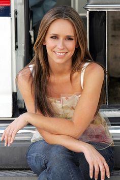 Jennifer Love Hewitt - love her hair and make up