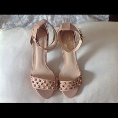 NWOT H&M Nude Heels Very versatile nude colored heels.  These are so pretty, matches anything you wear, perfect for Spring and Summer. 4 1/2 inches high. H&M Shoes Heels