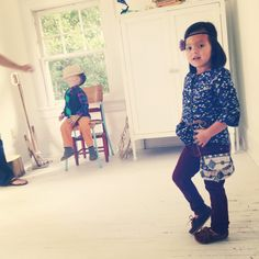 Behind the scenes at a Tadpole and Lily photo shoot.  www.tadpoleandlily.com