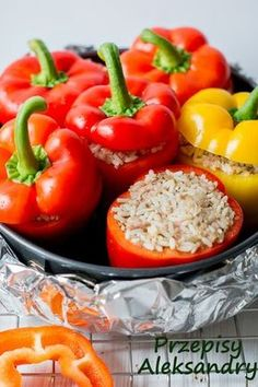 Przepisy Aleksandry: FASZEROWANA PAPRYKA (Z RYŻEM I MIĘSEM MIELONYM) Food And Drink, Cooking Recipes, Tasty, Stuffed Peppers, Vegetables, Foods, Drinks, Hair, Diet