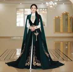 Special Dresses, Cute Dresses, Chic Black Outfits, Winter Gowns, Royal Dresses, Medieval Fashion, Fantasy Dress, Formal Evening Dresses, Dream Dress