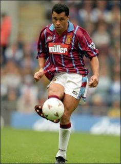 Paul McGrath unable to train because of bad knees but what a player - Villa Aston Villa Wallpaper, Aston Villa Players, Aston Villa Fc, Bad Knees, Best Club, Great Team, Fa Cup, Defenders