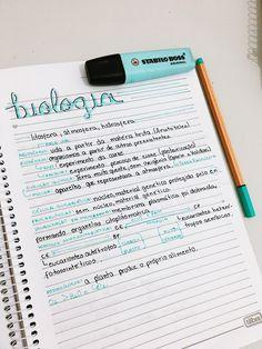 biologia//resumo #resumos #resumosbonitos #estudos School Organization Notes, Study Organization, School Notes, Cute Notes, Pretty Notes, Note Taking Tips, Study Board, Stabilo Boss, School Study Tips