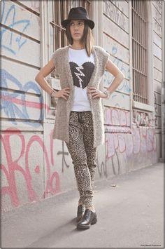 http://karenpozzi.blogspot.it/2013/10/pantaloni-leopardati-gilet-e-un-paio-di.html