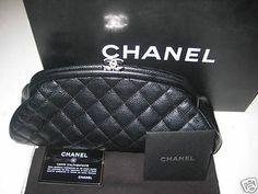 Réplica de Bolsa Chanel Cluth Preta - Linha Top Premium  Todas as nossas réplicas de primeira linha Chanel são impecavelmente perfeitas, com todos os detalhes iguais às bolsas originais, inclusive tamanho, ferragens e acabamento.  http://www.replicasdebolsa.com.br/chanel