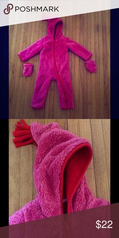 Giggle Baby Hot Pink Snowsuit Adorable Snowsuit by Giggle. It's hot pink with a red fleece lining. Mittens included. Only worn once since we live in Alabama. Keep your baby warm and snuggly. Giggle Baby One Pieces